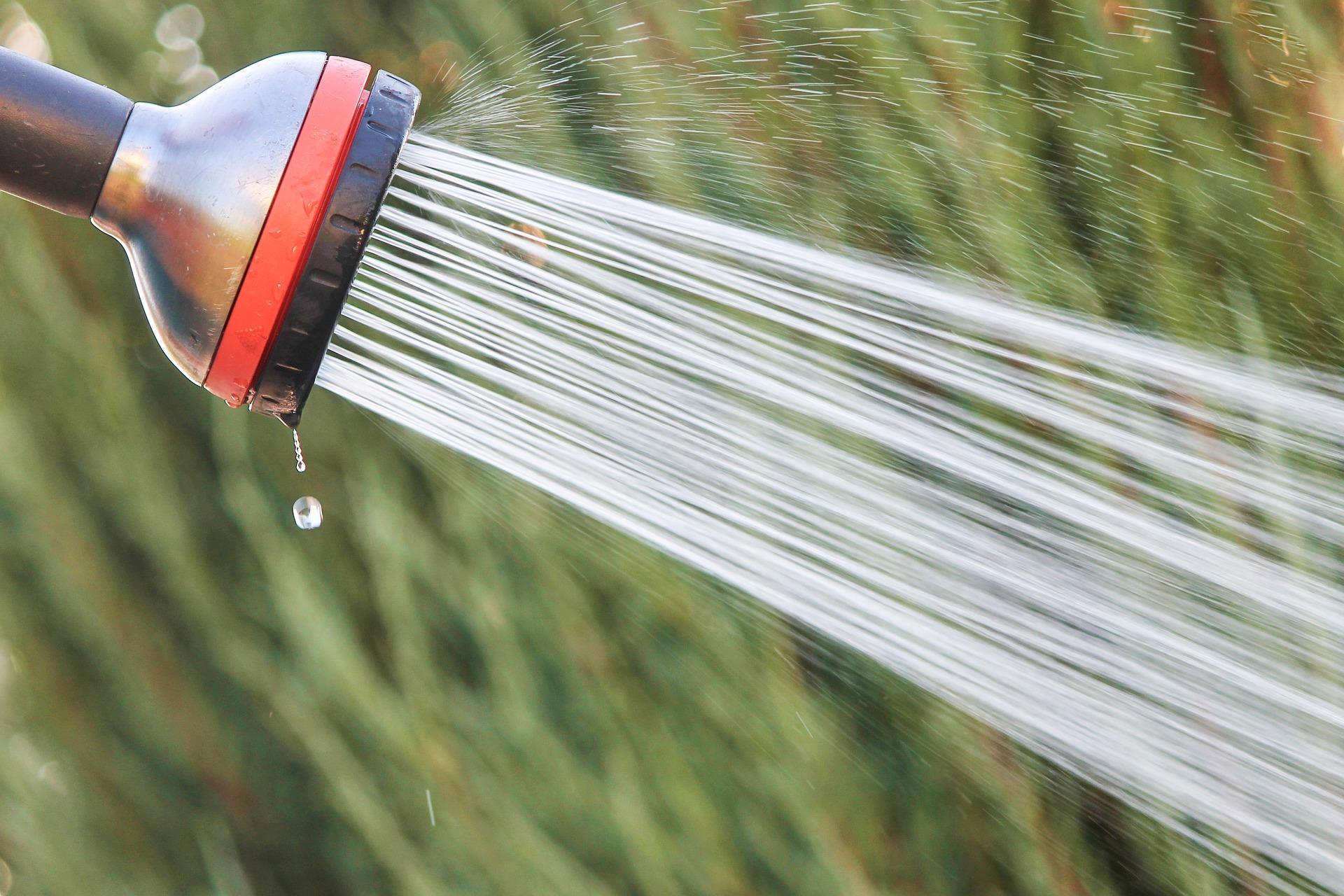 Water Jet – bild av Manfred Richter från Pixabay.